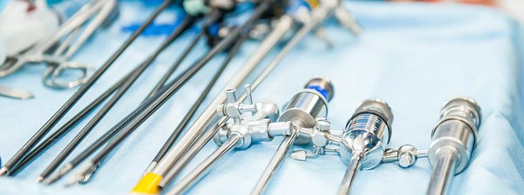 Heilbronn: Tieflochbohren für Produkte der Medizintechnik: medizinische. Schrauben, Titannägel etc.