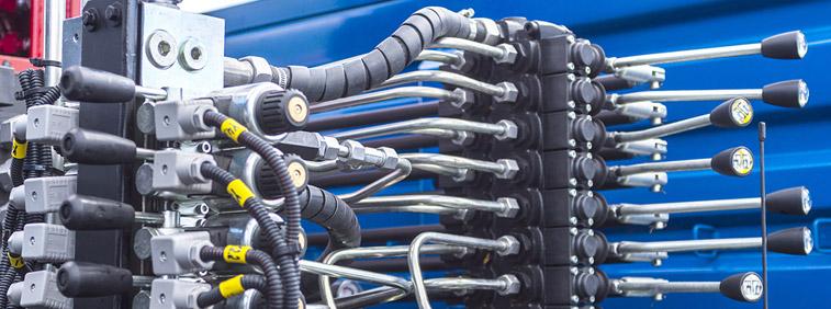 Leonberg: Tieflochbohren hydraulischer Bauteile für LKW